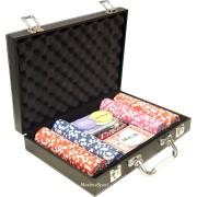 Кожено куфарче с 200 покер чипа с номинали
