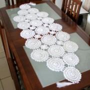 Crochê Centro de Mesa Trabalhado Branco