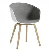 About A Chair AAC22 mit Innenpolsterung Weiß/Hallingdal 130/Eiche gelaugt Hay
