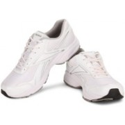 REEBOK RUN START LP Running Shoes For Men(Silver, White)
