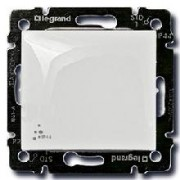Переключатель одноклавишный Legrand Valena IP44 белый