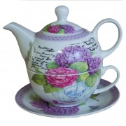 Set ceainic, ceasca si farfurie, pictat cu flori de liliac