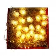 Cutie Cadou Luminos: Ghirlanda Decorativa cu Conuri de Pin si Ghirlanda Decorativa din Cupru 5m cu 50 LEDuri si 50 Carlige