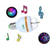 Farebná LED disco žiarovka ktorá reaguje na hudbu