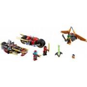 Set Constructie Lego Ninjago Urmarirea Ninja Cu Motocicleta