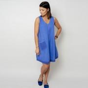 Egy zsebbel ellátott kék rövid ruha 10797
