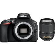 NIKON D5600 + 18-140mm AF-S DX ED VR Preta