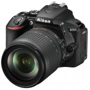 Nikon Aparat D5600 + Obiektyw 18-105 VR