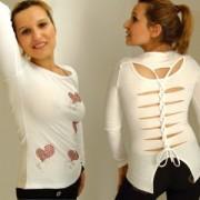 Top sexy blanc motif coeurs en strass, dos original ajouré