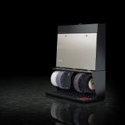 Černo-stříbrný mosazný čistič bot Polifix 4, Heute