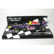 Minichamps - 410110002 - Véhicule Miniature - Red Bull Racing Renault Rb7 2011 Mark Webber - Echelle 1:43-Minichamps