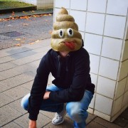 BigMouth Smiling Poo Masker