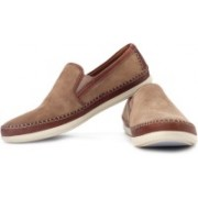 Clarks Mask Way Loafers For Men(White, Brown)