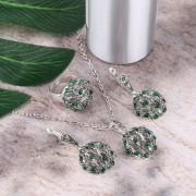 Set argint cu elemente SW colier cu cercei si inel green crystal ball