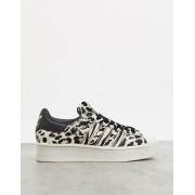adidas Originals Superstar Bold platform trainers in leopard print-Multi - female - Multi - Size: 9