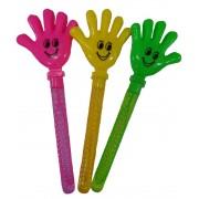 Buborékfújó kéz tapsol