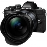 Olympus OM-D E-M10 Mark III Zwart + 12-200mm f/3.5-6.3 Zwart