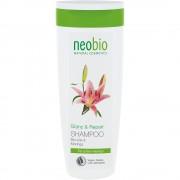 Sampon pentru repararea parului cu moringa NeoBio