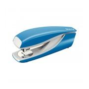 Capsator LEITZ 30 coli 24/6 model 5502 albastru deschis