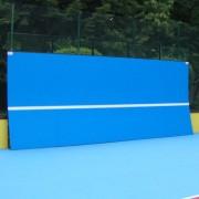 Тренировъчна стена за тенис на корт