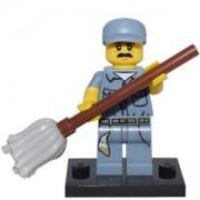 Идентифицирана минифигурка Лего Серия 15 - Портиер, Lego series 15 - Janitor, 71011-9