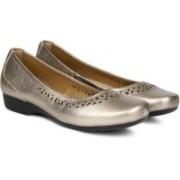 Clarks Blanche Garryn Gold Metallic Bellies For Women(Gold)