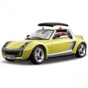Метална количка Bburago Gold 1:18 - Smart Roadster - Bburago, 093131