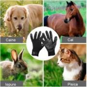 Set 2 manusi pentru periat si masat animale de companie