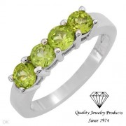 Дамски сребърен пръстен с естествен перидот /хризолит/