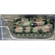 Leopard 2A5 German NATO Camo Tank (Assembled) -- Pre-Built Plastic Model -- 1/144 Scale -- #614