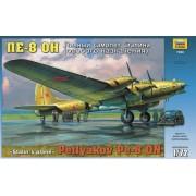 Zvezda Pe-8 Stalin's Plane repülőgép makett 7280