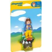 1.2.3 Femeie cu Catelus Playmobil