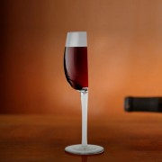 Половин Чаша за Вино