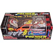 Racing Champions #12 Jeremy Mayfield Premier Chase The Race 1:24 Scale Die Cast Replica With Collectors Trading Card