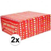 Geen 2x Inpakpapier/cadeaupapier rood met vlaggenlijn 200 x 70 cm rol