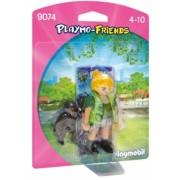 Figurina - Ingrijitor Zoo Cu Pui De Gorila Playmobil