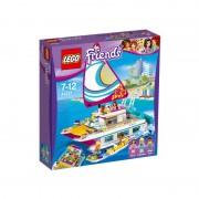 Croaziera insorita pe Catamaran LEGO Friends 41317