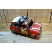 Piros morris autó modell