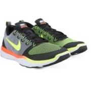 Nike FREE TRAIN Training & Gym Shoes For Men(Black, Orange)