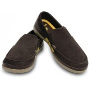 Crocs Walu Accent Suede M Loafers For Men(Brown)