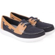 Clarks Jocolin Vista Navy Boat Shoes For Women(Blue, Tan)