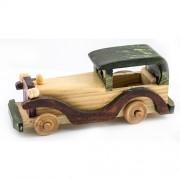 Masina vintage din lemn, macheta medie