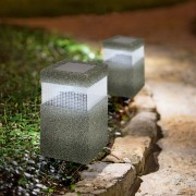 Napelemes leszúrható kőhatású Karsa lámpa 27 cm hideg fehér