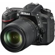 NIKON D7200 + 18-105mm VR f/3.5-5.6