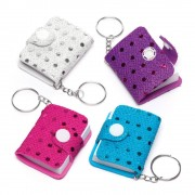 Baker Ross Mini Notebook Keyrings - 8 Keyrings For Kids. Funny Toy Keyrings. Kids Party Bag Fillers. Size 5.5cm x 4cm.