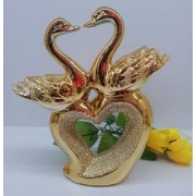 Статуетка Лебеди и сърце изработена от резин (BM2-348-72)