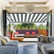 Store banne extérieur coffre intégral motorisé et manuel pour terrasse - Blanc gris - 4 x 3,5 m
