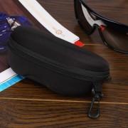 EY Estuche Protector Con Cierre Para Gafas De Sol -Negro