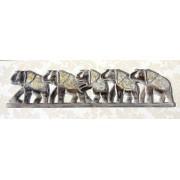 Sir de elefanti sculptati in lemn