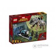 LEGO® Super Heroes Confruntarea cu rinocerul langa mina 76099